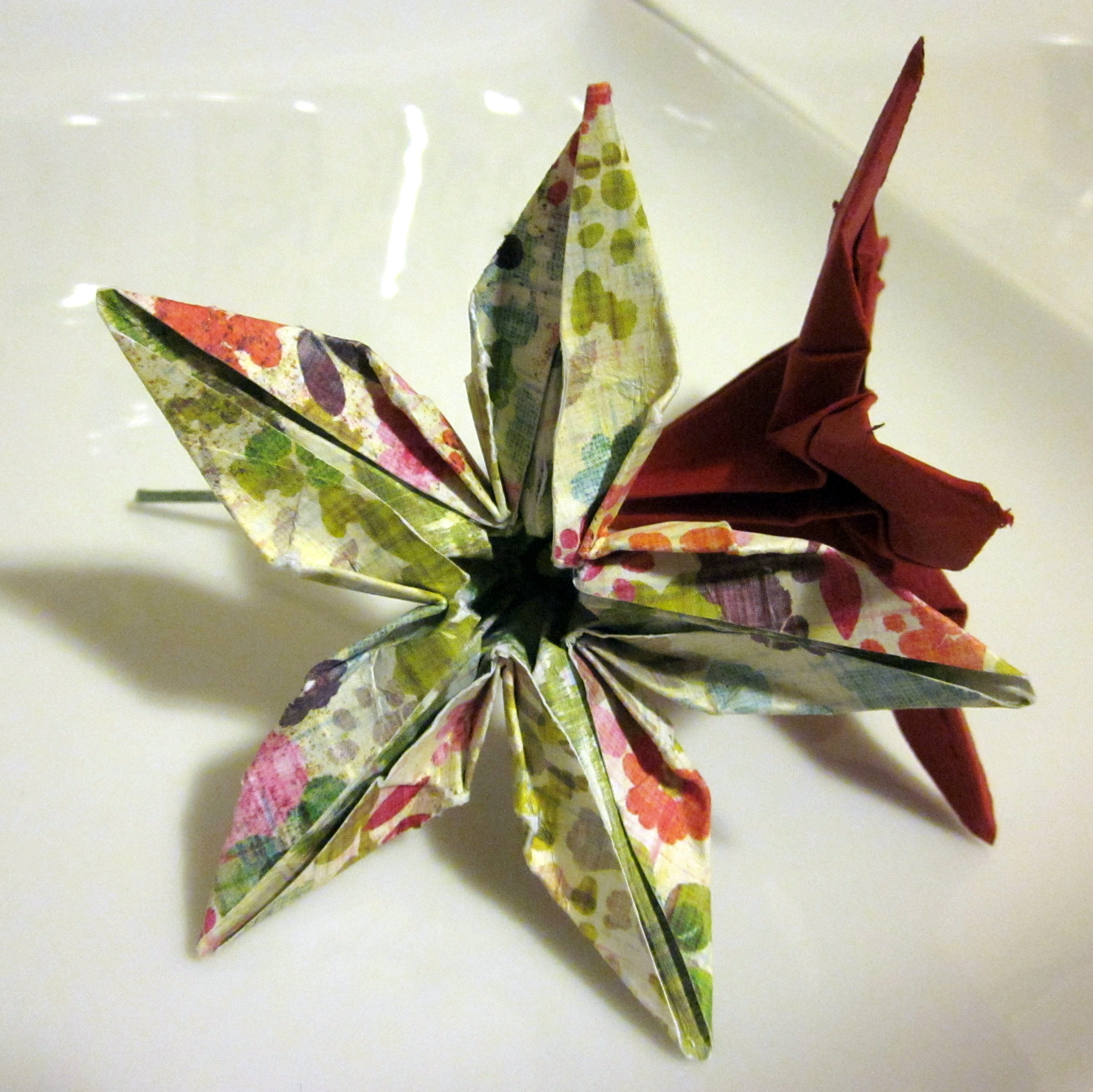Origami flower centerpieces semi diy five petal lily mightylinksfo